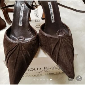 Manolo Blahnik size 381/2 chocolate brown heels